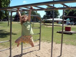 Monkey-Bars-Pictures-1